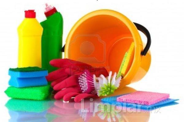 Todos los productos de limpieza est n hechos con la misma for Productos para limpiar muebles